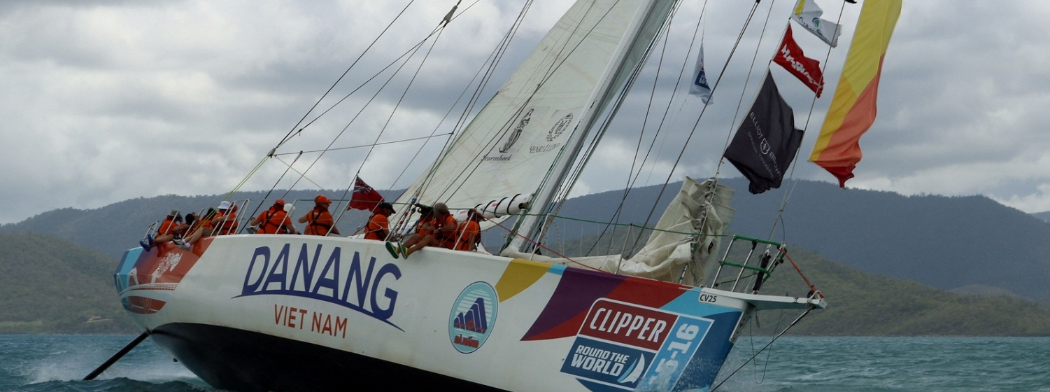 Da Nang leads fleet parad out of Airlie Beach