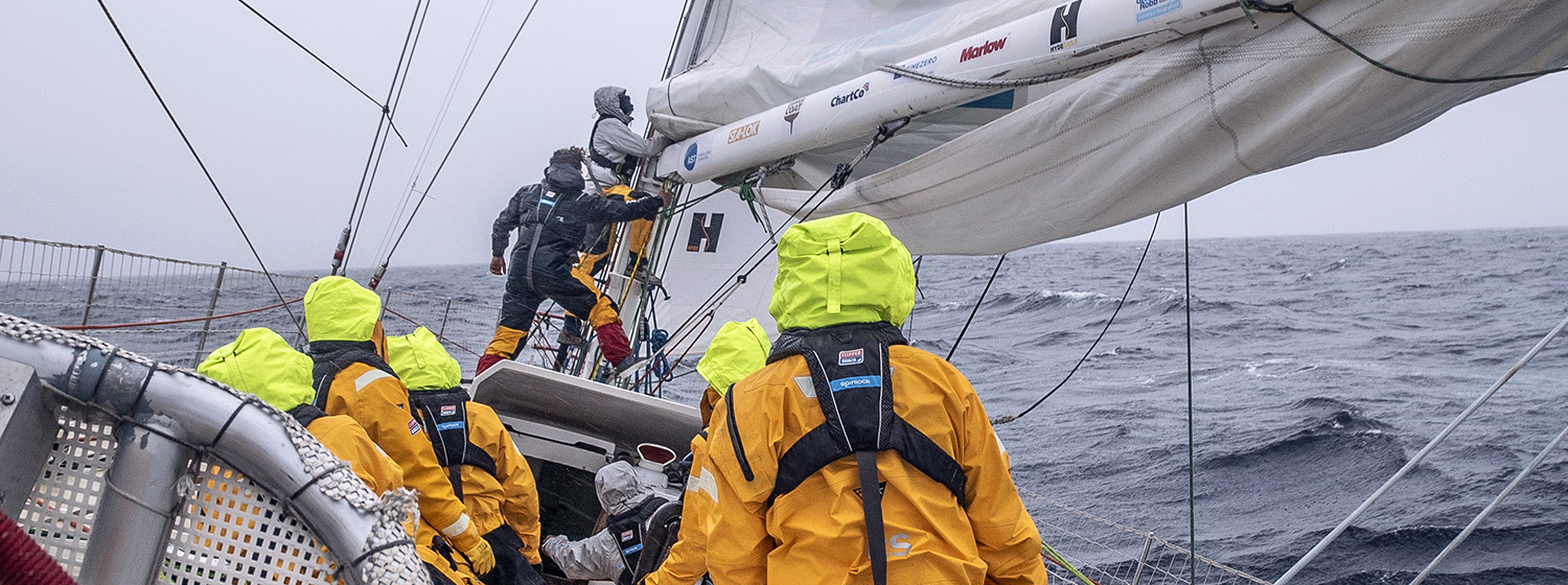 Reefing on board Zhuhai