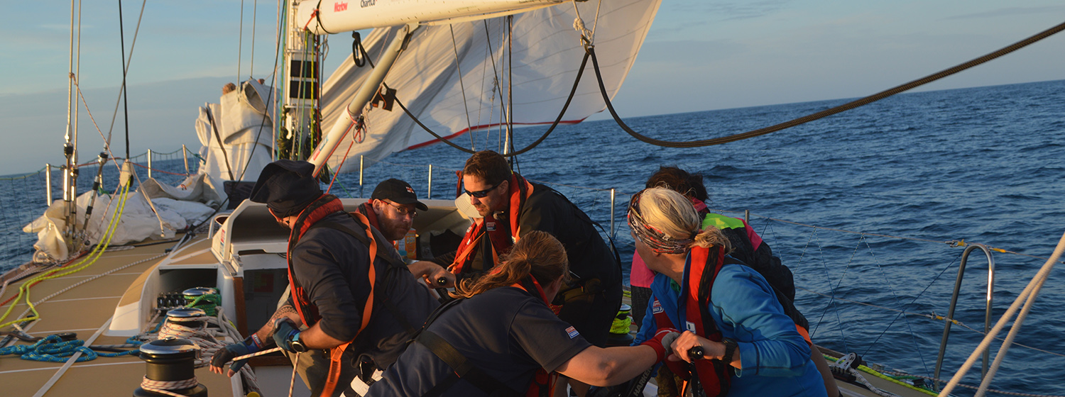 ​Race 12 Day 10:  Teams enjoy strong westerlies at start of Ocean Sprint
