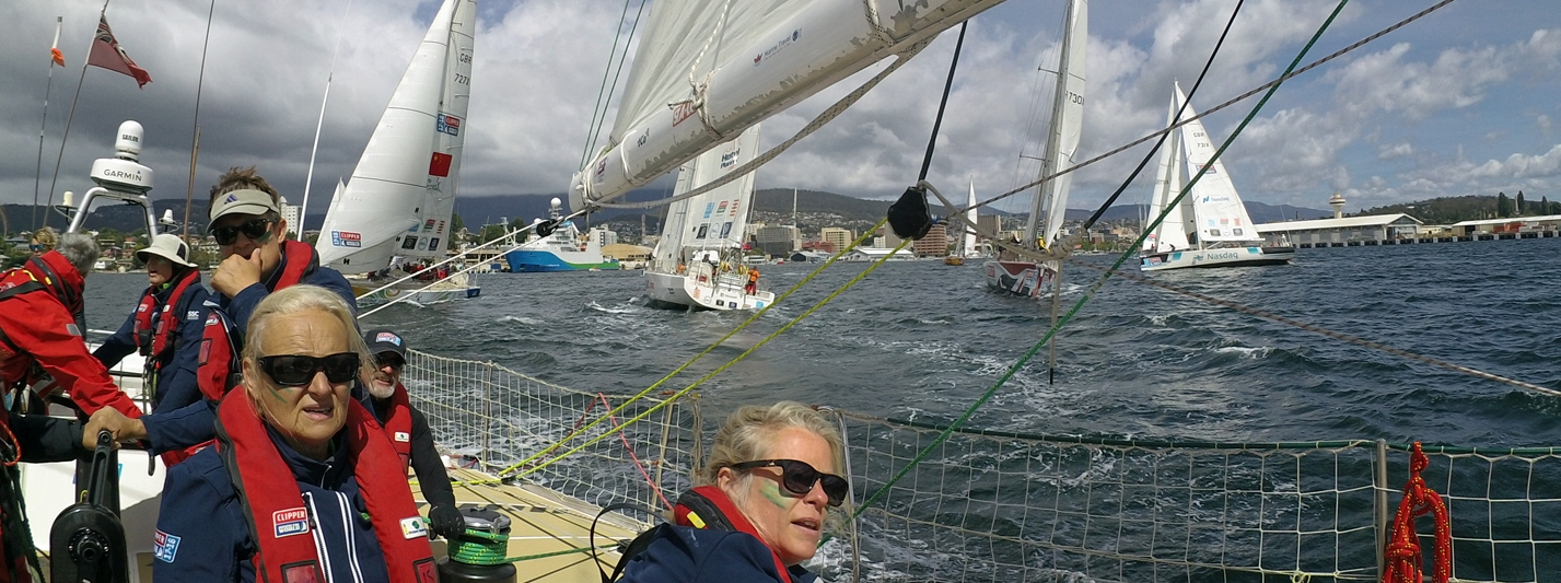 ​Fleet Splits Tactics in Race to The Wondrous Whitsundays