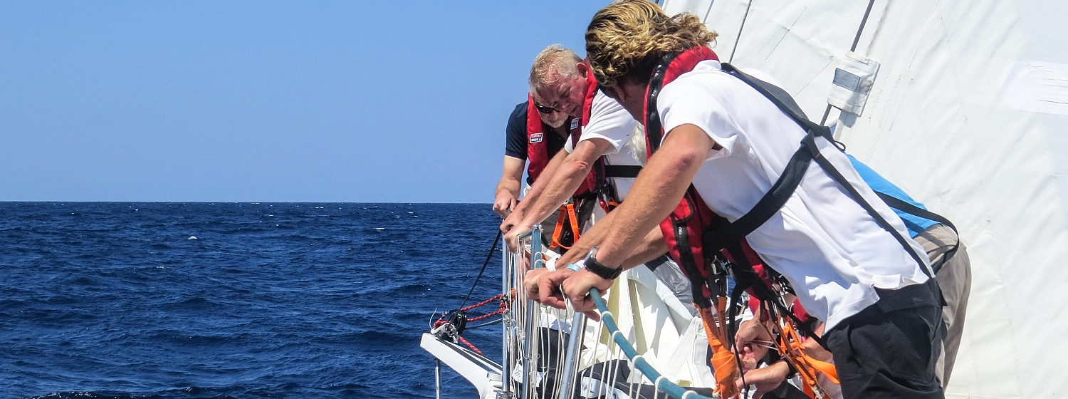 ​Race 1 Day 21: Mixed fortunes across the fleet