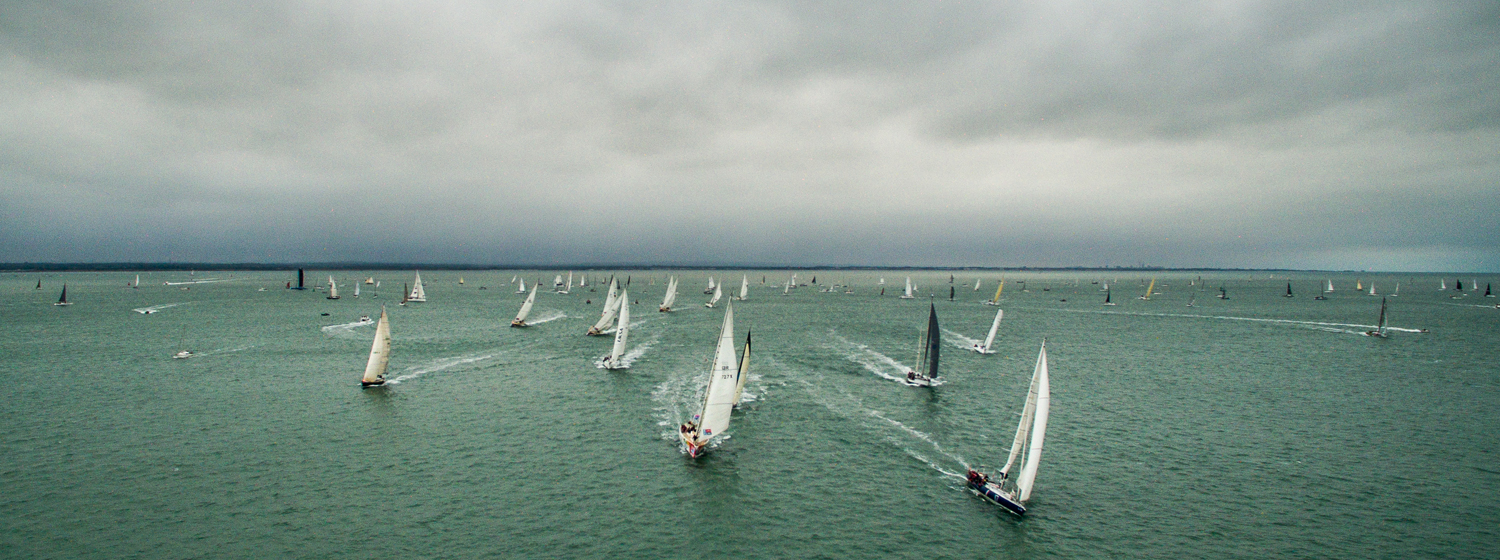 Clipper Class start in 2017 Round the Island Race. Copyright Sportography.tv