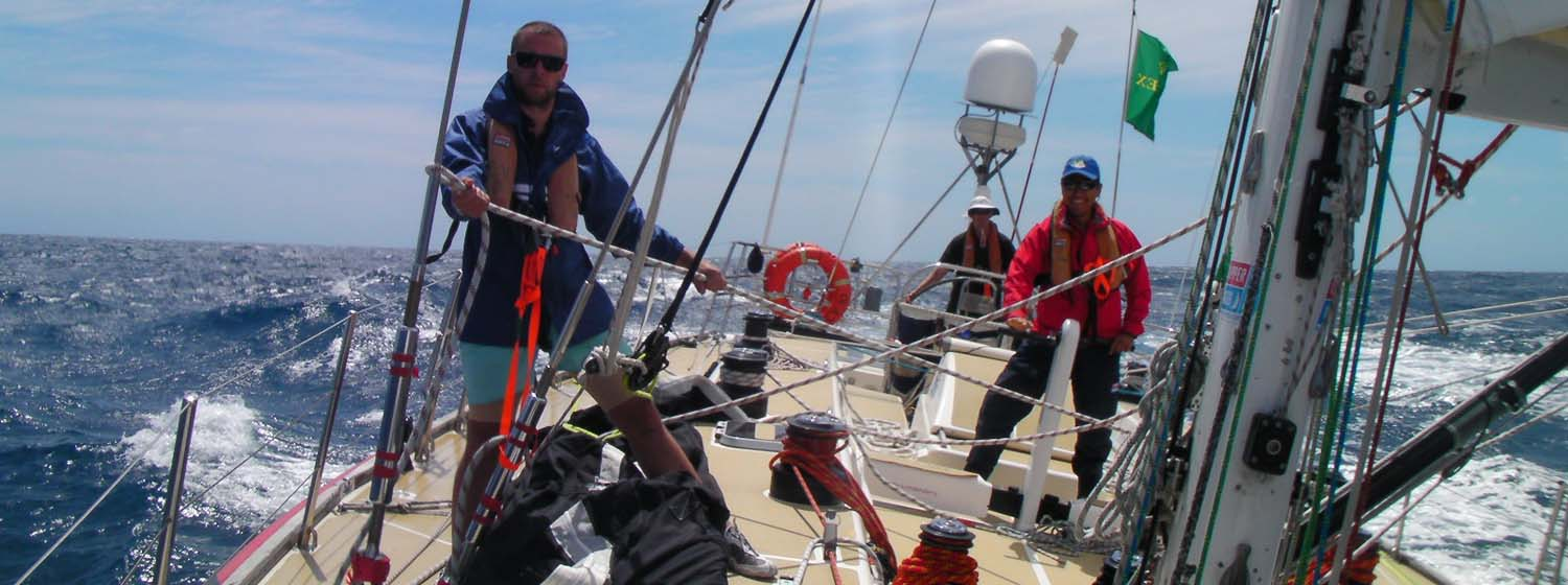 Clipper Ventures 10 flies heavyweight kite as it starts Bass Strait crossing