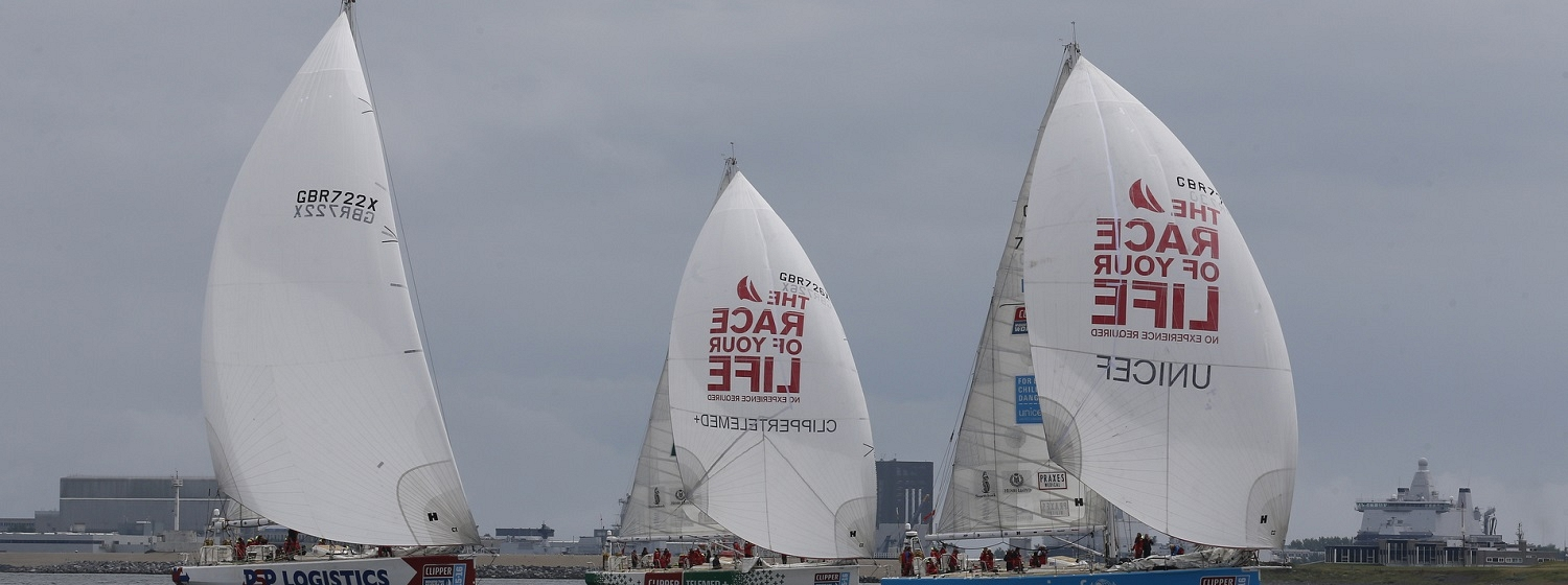 The PSP Logistics yacht starting the final race with other teams on water