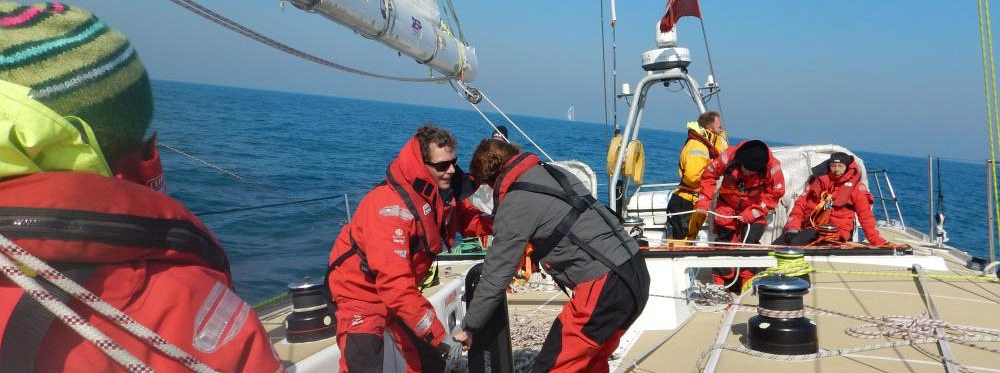 ​Race 9 Day 6: Shifty, light winds hinder progress on Great Circle Route north