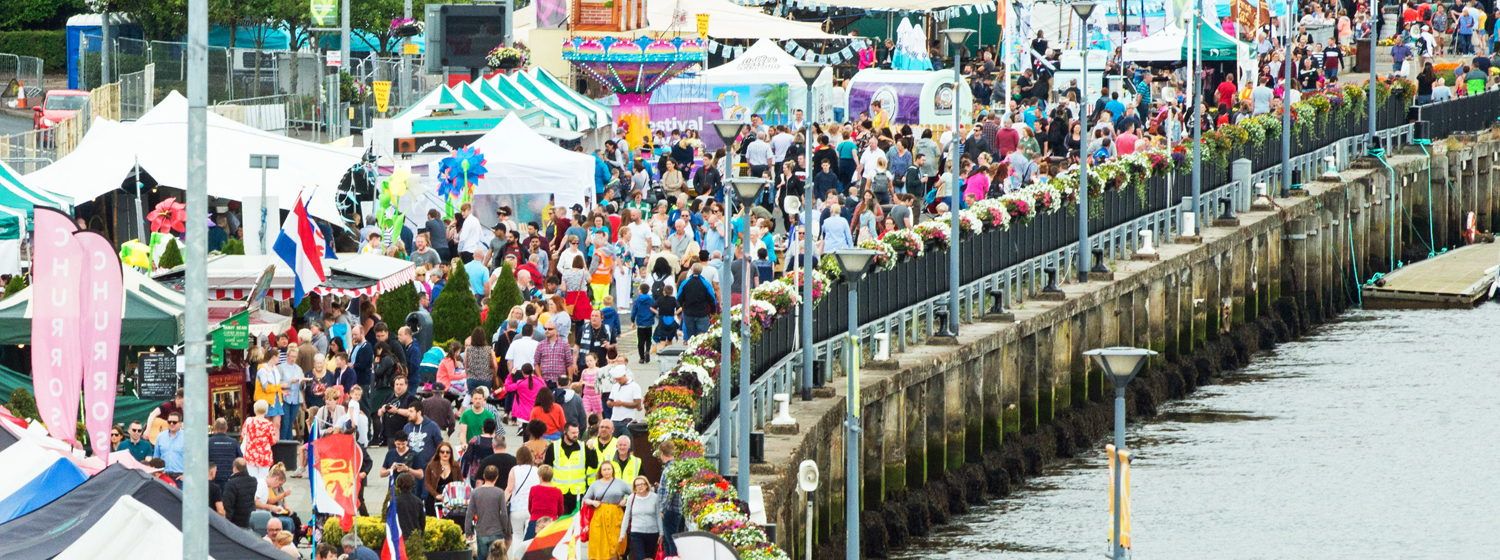 Crowds on Day 1 of the Foyle Maritime Festival. Copyright Martin McKeown